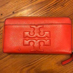 Tory Burch Bombe wallet